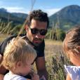 Martin Fourcade avec ses filles Inès et Manon, 11 août 2018, Instagram.