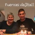 Emiliano Sala avec sa mère Mercedes lors de son 28e anniversaire, quelques mois avant sa disparition, photo Instagram de sa soeur Romina Sala.