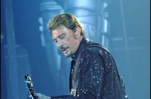 L'immense Johnny Hallyday... ému aux larmes pour son premier concert au Stade de France !