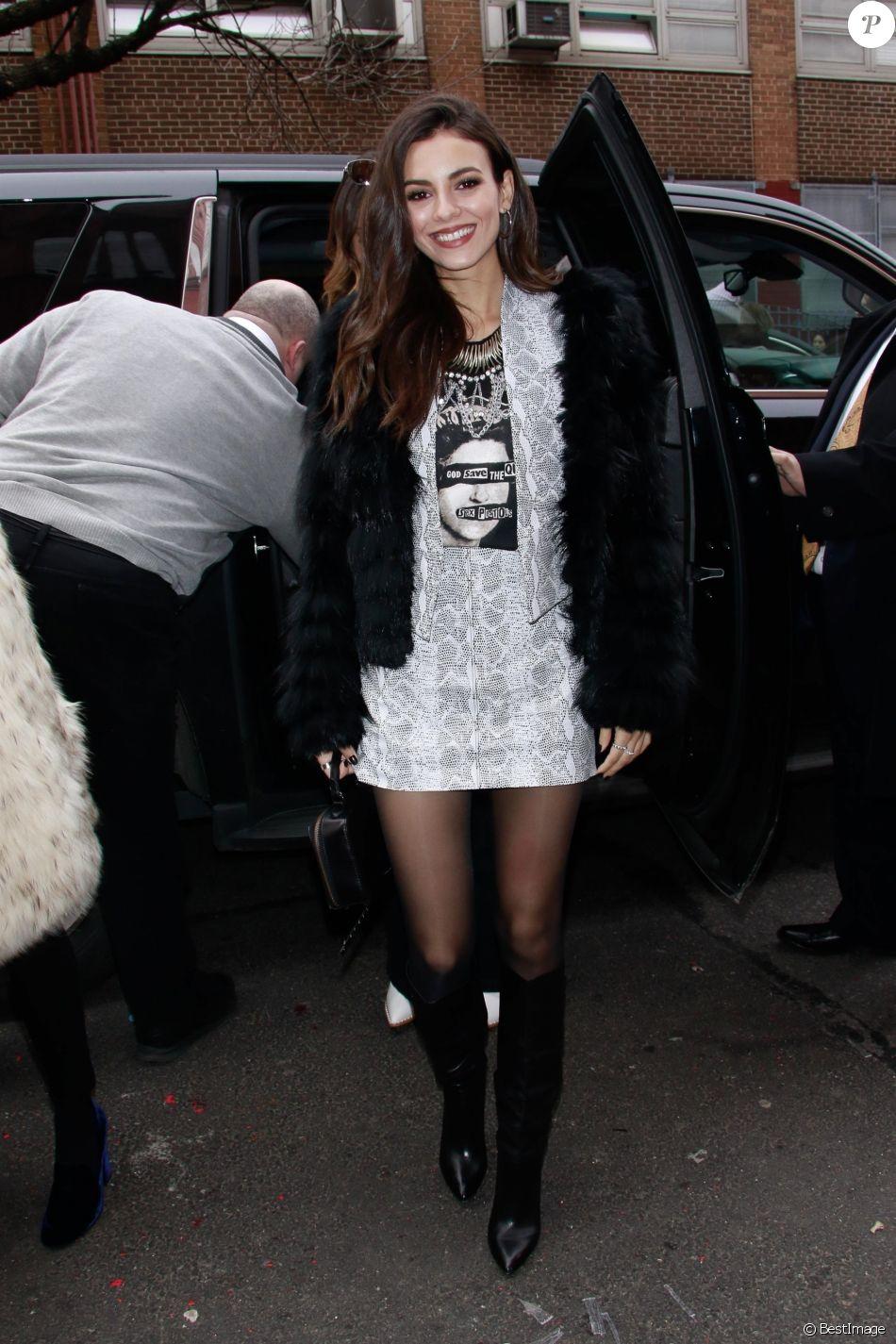 Victoria Justice - Les célébrités arrivent au défilé de mode Alice & Olivia lors de la Fashion Week à New York, le 11 février 2019