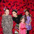 Stacey Bendet et ses filles au photocall du défilé Alice and Olivia lors de la Fashion Week automne-hiver 2019/2020 à New York, le 11 février 2019. © Sonia Moskowitz/Globe Photos/Zuma Press/Bestimage
