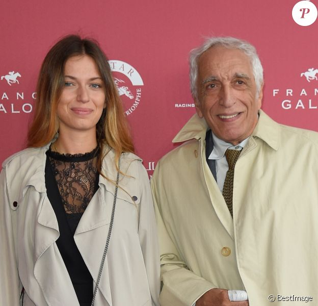 Gérard Darmon avec sa fille Sarah Darmon - 96ème Qatar Prix de l'Arc de Triomphe à l'Hippodrome de Chantilly le 1er octobre 2017. © Coadic Guirec/Bestimage