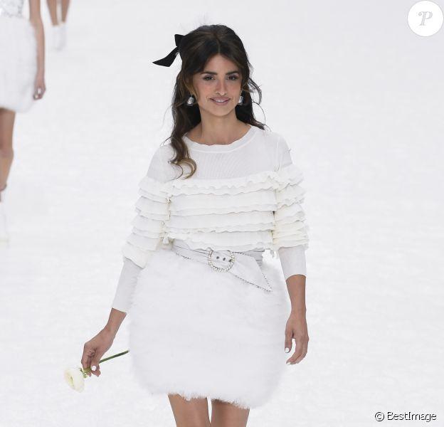 Penelope Cruz - Défilé de mode Chanel collection prêt-à-porter Automne-Hiver au Grand Palais lors de la fashion week à Paris, le 5 mars 2019.  PAP F/W 2019/2020 Chanel fashion show in Paris. On march 5th 201905/03/2019 - Paris