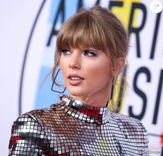 Taylor Swift à la soirée 2018 American Music Awards au théâtre Microsoft à Los Angeles, le 9 octobre 2018