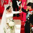 Le prince héritier Frederik de Danemark et la princesse Mary (Mary Donaldson) le 14 mai 2004 à Copenhague lors de leur mariage.