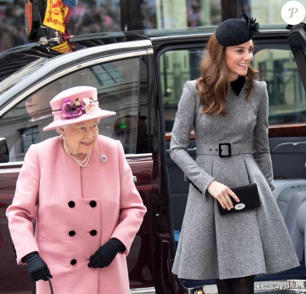 """La reine Elisabeth II d'Angleterre et Kate Catherine Middleton, duchesse de Cambridge, viennent inaugurer la ré-ouverture de la """"Bush House"""" à Londres. Le 19 mars 2019"""