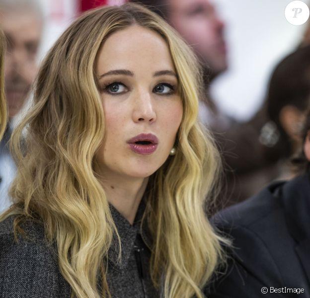 """Jennifer Lawrence lors du Front Row du défilé de mode prêt-à-porter automne-hiver 2019/2020 """"Christian Dior"""" au Musée Rodin à Paris le 26 février 2019. © Olivier Borde / Bestimage"""