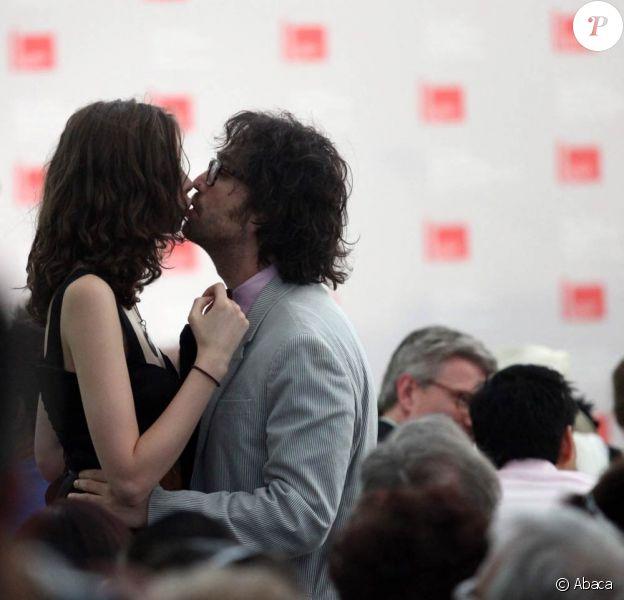 Sean Lennon et sa compagne Charlotte Kemp Muhl à la 53e Biennale de Venise