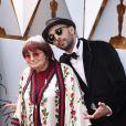 L'artiste JR et Agnès Varda - Arrivées - 90ème cérémonie des Oscars 2018 au théâtre Dolby à Los Angeles, le 4 mars 2018. © Kevin Sullivan via Zuma