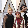 Rosalie Varda, sa mère Agnes Varda et l'artiste JR -- Arrivées - 90ème cérémonie des Oscars 2018 au théâtre Dolby à Los Angeles, le 4 mars 2018. © Kevin Sullivan via Zuma Press/Bestimage