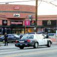 Rassemblement devant le magasin de vêtements The Marathon Clothing, où le rappeur et fondateur de la marque, Nipsey Hussle, a été assassiné. Los Angeles, le 31 mars 2019.
