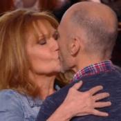 """Clémentine Célarié, son baiser à un séropositif : """"On entendait les mouches"""""""