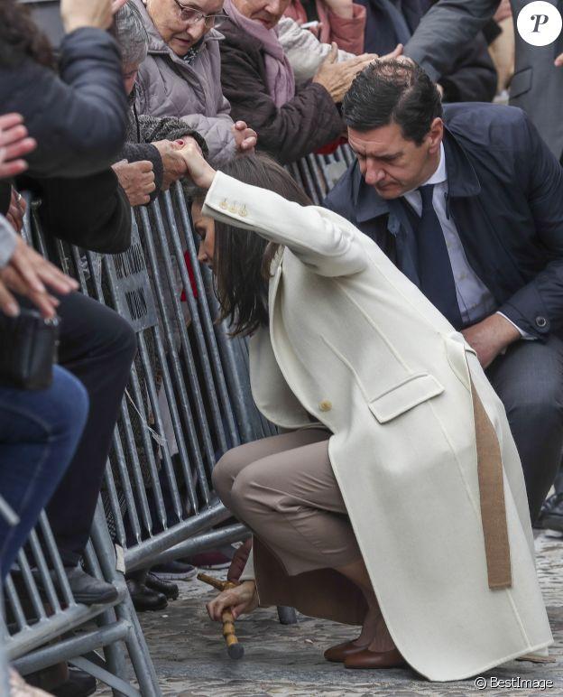 """La reine Letizia d'Espagne en visite à Lerma dans la province de Burgos le 11 avril 2019 pour l'inauguration de l'exposition """"Angeli"""" de la fondation """"Las Edades del Hombre""""."""