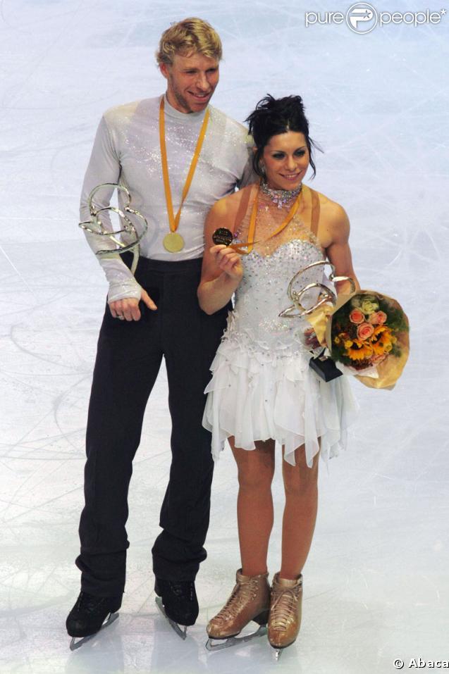 Les patineurs français Isabelle Delobel et Olivier Schoenfelder