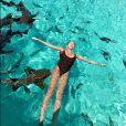 Exclusif - Prix Spécial - Thylane Blondeau nage avec les requins le jour de ses 18 ans lors de ses vacances en famille sur l'île de Staniel Cay aux Bahamas, le 5 avril 2019.