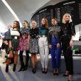 "Emma Stone, Alicia Vikander, Michelle Williams, Jennifer Connelly, Cate Blanchett et Léa Seydoux posent lors du show ""Louis Vuitton Cruise 2020"" à Long Island, le 8 mai 2019."