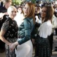 "Michelle Williams, Emma Stone et Alicia Vikander lors du show ""Louis Vuitton Cruise 2020"" à Long Island, le 8 mai 2019."