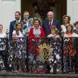 La famille royale de Norvège lors de la garden party du jubilé des 25 ans de règne du roi Harald de Norvège à Trondheim le 23 juin 2016.