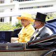 La famille royale est de sortie et a enfilé ses plus beaux chapeaux ! 16/06/09