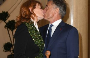 Gérard Holtz fou de Muriel Mayette : Baisers et hommage à la femme de sa vie
