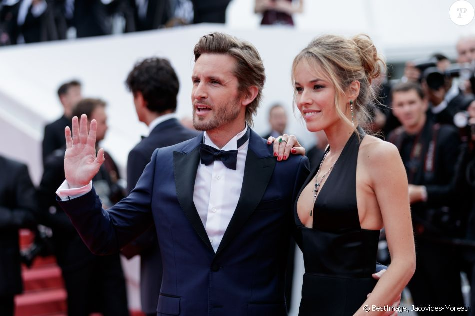 "Philippe Lacheau et sa compagne Elodie Fontan - Montée des marches du film ""Once upon a time... in Hollywood"" lors du 72ème Festival International du Film de Cannes. Le 21 mai 2019 © Jacovides-Moreau / Bestimage"