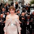 """Milla Jovovich - Montée des marches du film """"Sibyl"""" lors du 72ème Festival International du Film de Cannes. Le 24 mai 2019 © Jacovides-Moreau / Bestimage"""