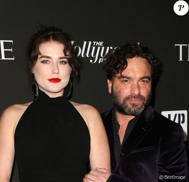 """Alaina Meyer, Johnny Galecki - Les célébrités posent lors du photocall de la soirée """"J/P HRO"""" à Los Angeles le 5 janvier 2019."""