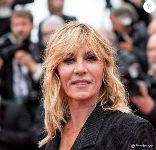"""Mathilde Seigner - Montée des marches du film """"Les plus belles années d'une vie"""" lors du 72ème Festival International du Film de Cannes. Le 18 mai 2019 © Jacovides-Moreau / Bestimage"""