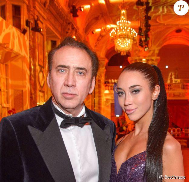 Info - Nicolas Cage divorce quatre jours après son mariage - Nicolas Cage et sa nouvelle compagne Erika Koike au ball des juristes au palais Hofburg à Vienne, Autriche, le 7 mars 2019.