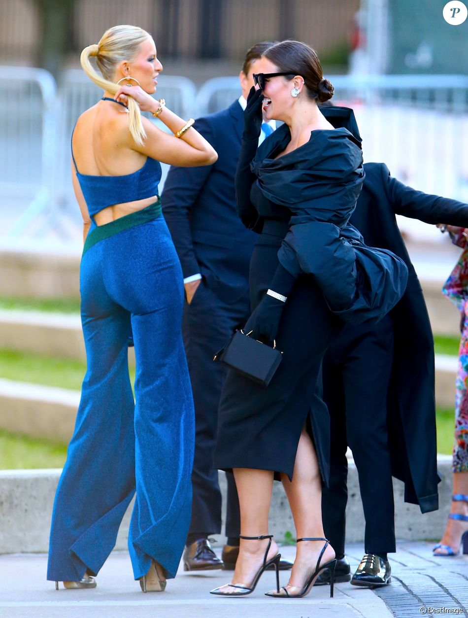 Karolina Kurkova Et Ashley Graham Arrivent Au Brooklyn Museum Pour