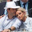 Elodie Gossuin et son mari Bertrand Lacherie dans les tribunes lors des internationaux de tennis de Roland-Garros à Paris, France, le 4 juin 2019. © Jacovides-Moreau/Bestimage