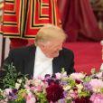 Donald Trump et la reine Elizabeth II lors du dîner de gala donné le 3 juin 2019 au palais de Buckingham par la monarque en l'honneur de la visite officielle du président américain et son épouse Melania Trump.