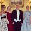 Ivanka et Tiffany Trump à Buckingham : elle jouent les touristes à selfies