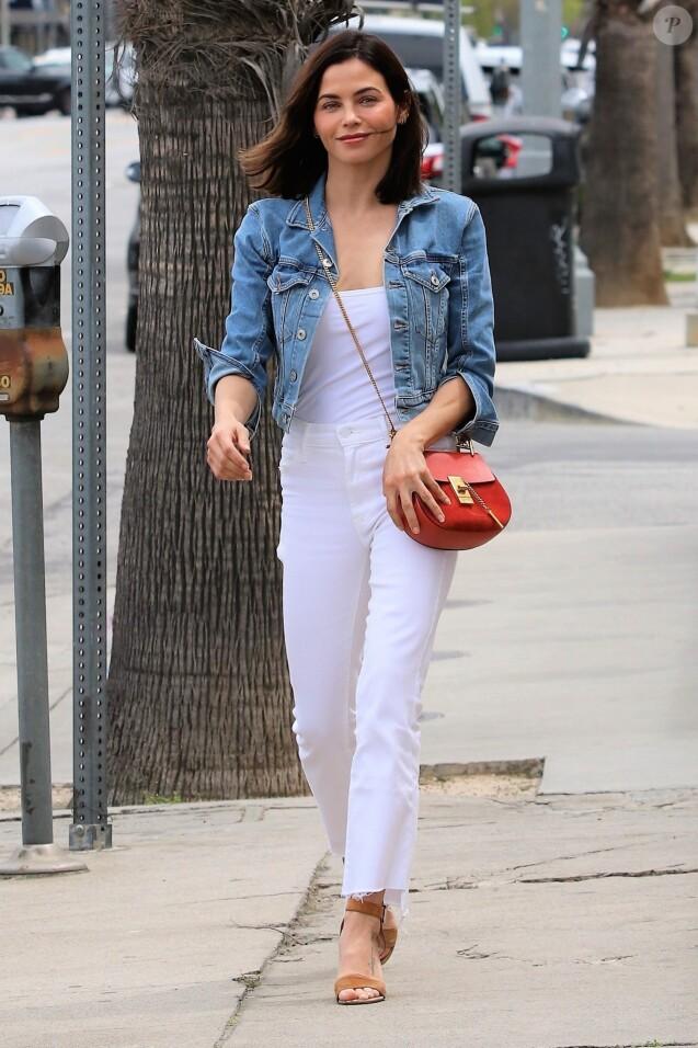 Jenna Dewan se promène à Los Angeles, le 11 avril 2019.