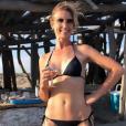 Audrey Lamy charrie sa soeur Alexandra, canon en bikini lors de vacances en Camargue. Instagram, juin 2019.
