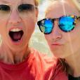 Alexandra Lamy lors de vacances en Camargue avec sa soeur Audrey. Instagram, juin 2019.