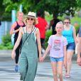 """Exclusif - Naomi Watts et son ex-compagnon Liev Schreiber se retrouvent pour une journée en famille avec leurs enfants Samuel """"Sammy"""" Kai et Alexander """"Sasha"""" Pete à New York, le 2 juin 2019. Ici Kai et sa maman."""