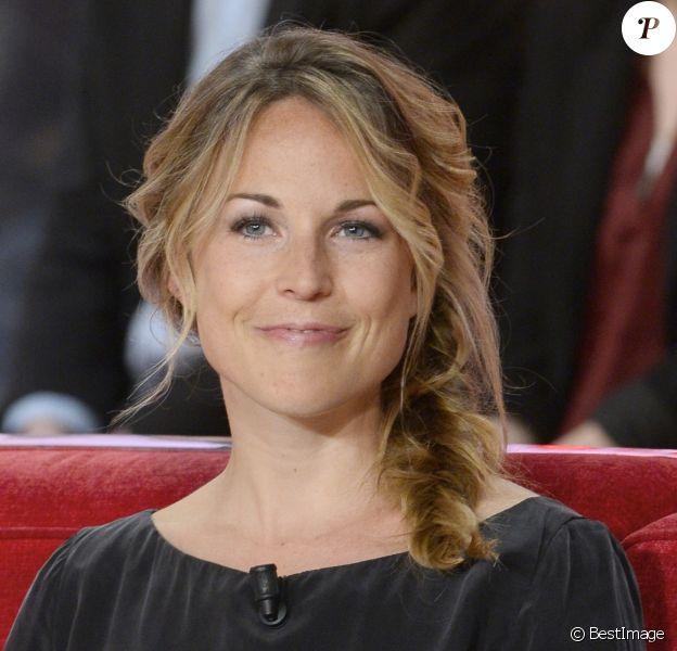 """Aurélie Vaneck - Enregistrement de l'émission """"Vivement Dimanche"""" à Paris le 9 avril 2014. L'émission sera diffusée le 13 avril."""