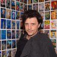 """Nicola Sirkis - Vernissage de l'Exposition """"Murs-Murs"""" de Jerôme Revon à la galerie Catherine Houard à Paris le 13 novembre 2014.13/11/2014 - Paris"""