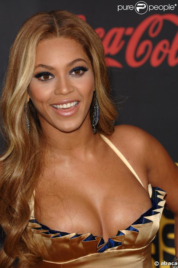 Beyoncé Knowles - New Photos