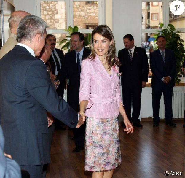 Letizia d'Espagne à Teruel le 23 juin 2009 pour une remise de prix culturels