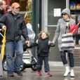 Sarah Jessica Parker et Matthew Broderick avec leur fils James dnas les rues de New-York en octobre 2008