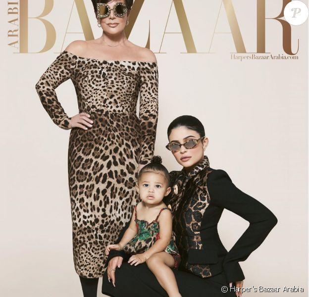Kylie Jenner pose avec Stormi et sa mère Kris Jenner sur la couverture du magazine Harper's Bazaar pour l'édition juillet/août 2019.