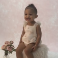 Kylie Jenner filme sa fille Stormi en pleine séance photo. Juin 2019.