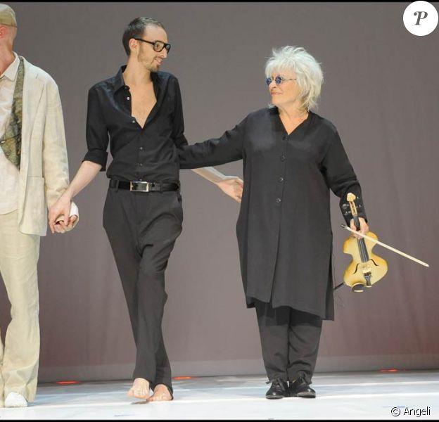 Christophe Willem dans le spectacle Au delà des murs de Catherine Lara, le 23 juin 2009