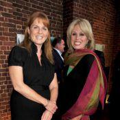 Quand Sarah Ferguson rencontre la star déjantée d'Absolutely Fabulous... au milieu des éléphants à Londres !