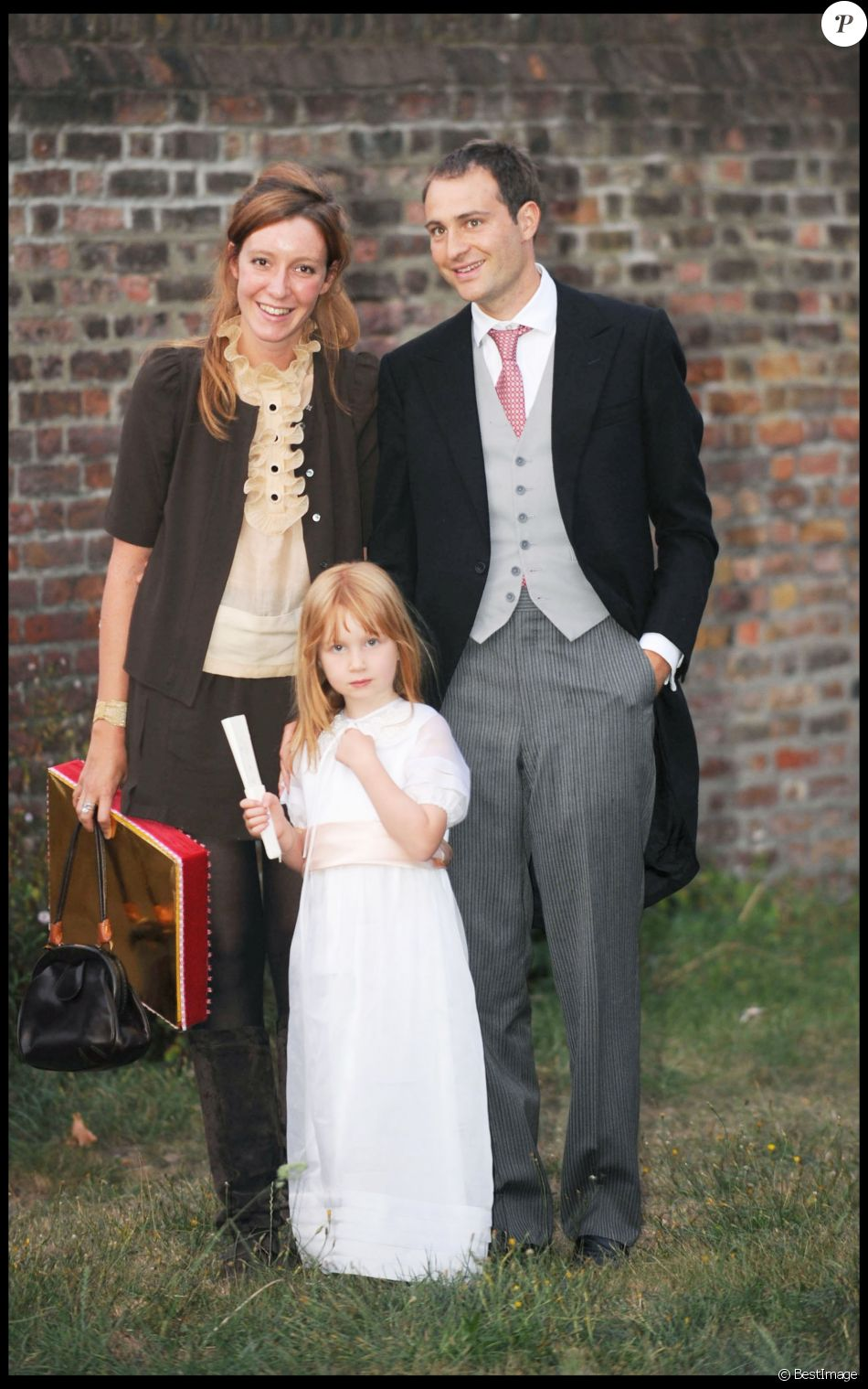 Kate Rothschild, Ben  Goldsmith et leur fille  Iris Annabel Goldsmith dans leur maison Hampton Court de Londres le 12 septembre 2009.