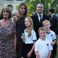 """Ben Goldsmith, sa mère Annabel, sa femme Jemima et ses enfants Iris, Frankie et Isaac - Le prince Charles lors de la réception """"Royal Rickshaw"""" à Londres, le 30 juin 2015."""