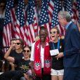 Bill de Blasio, maire de New York - Les joueuses américaines de football participent à la parade sur Broadway à New York pour fêter leur victoire à la coupe du monde en France. New York. Le 10 juillet 2019.