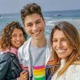 Laury Thilleman avec son frère Hugo et sa soeur Julie en Bretagne, le 21 avril 2019